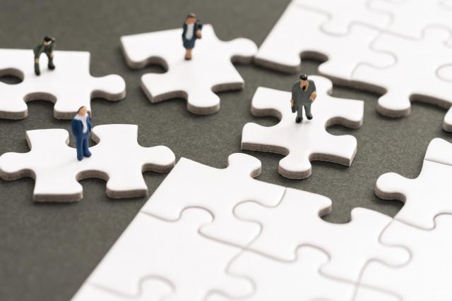 【ベンチャー失敗事例(3)】タテ方向もヨコ方向も分断されていた組織構造【Structure】
